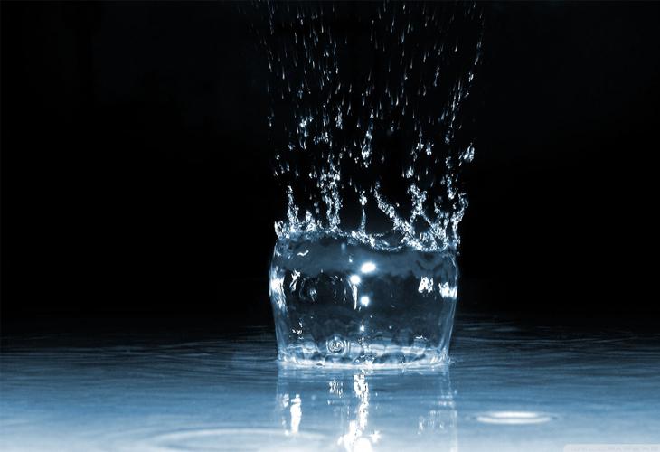 Water Splash Dark wallpaper - cssauthor.com