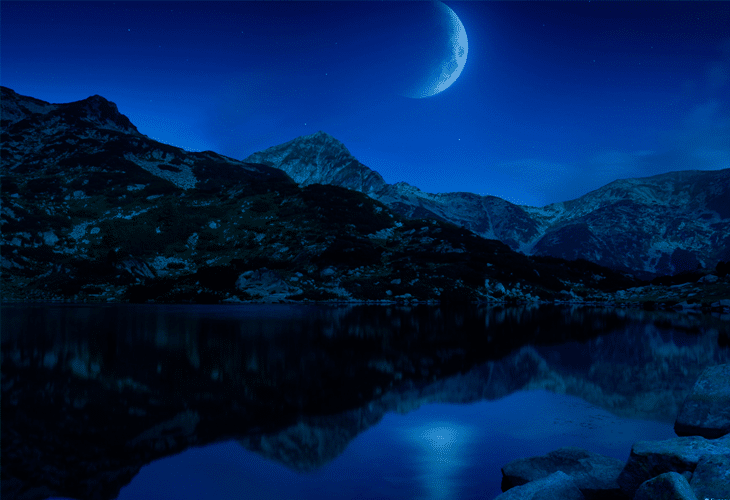 Crescent Moon - Windows 8 Wallpaper