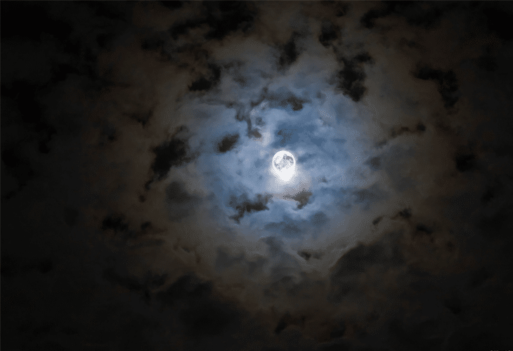 Full Moon - Windows 8 Wallpaper
