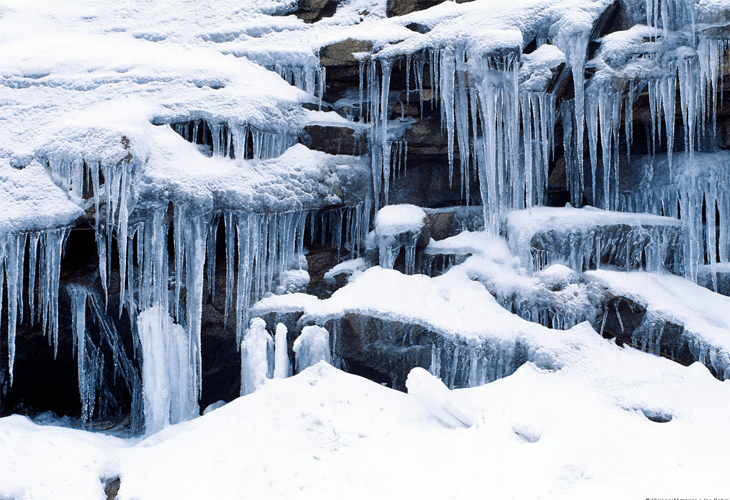 Icicles and Snow - Windows 8 Wallpaper