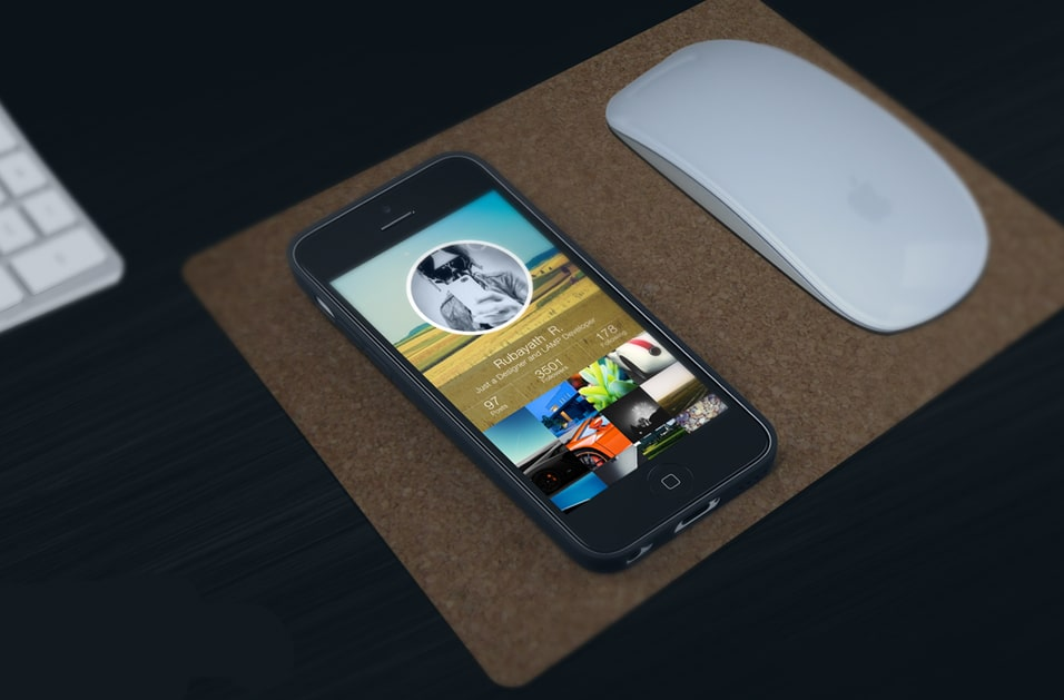 iPhone Work space Mockup