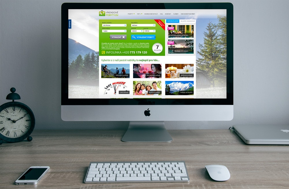 Free Apple iMac Mockup PSD