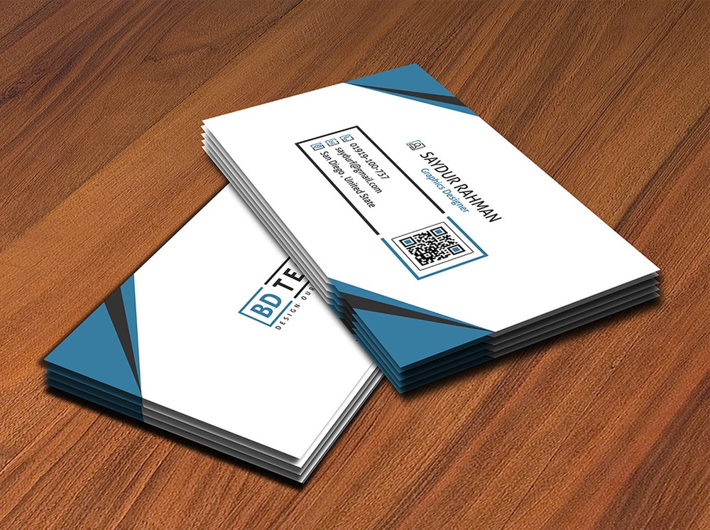 Free Corporate Business Card Mockup PSD
